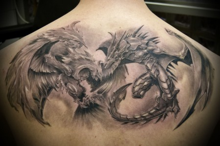 phoenix-Tattoo: Phoenix vs. Dragon