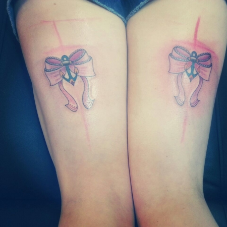 strumpfband-Tattoo: Bow