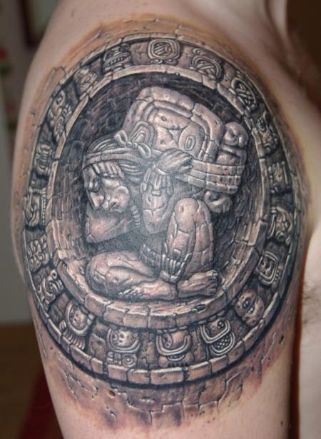Maya-Kalender in Stein