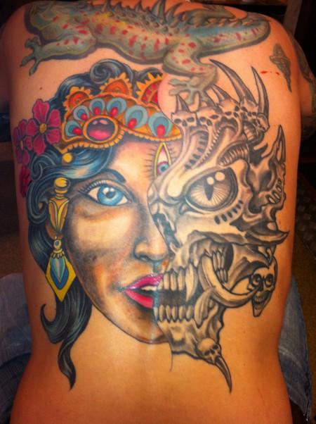 Sigi26 Gut Vs Böse Tattoos Von Tattoo Bewertungde