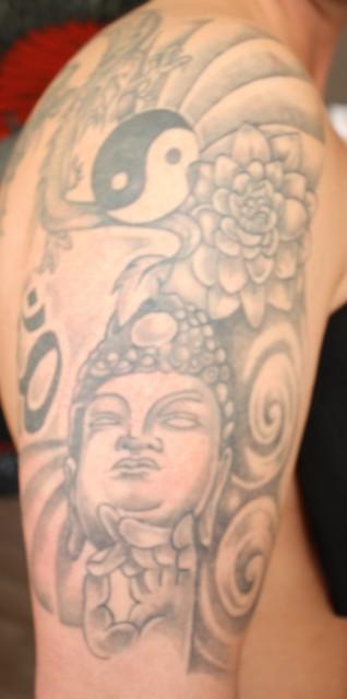 Buddha, Blume, Ying Yang...
