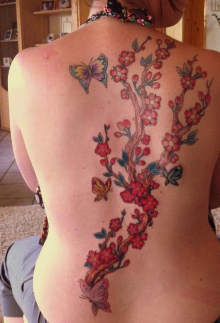 forever is just ast mit blumen und schmetterlingen tattoos von tattoo. Black Bedroom Furniture Sets. Home Design Ideas