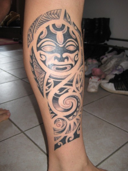 kuhlo maori tattoo auf dem unterschenkel d tattoos von tattoo. Black Bedroom Furniture Sets. Home Design Ideas