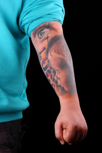 Linker Arm, Zwischenstand. Portrait jetzt 7 Monate alt  Portrait 2 Monate =)