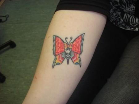 Schmetterling und Totenköpfle