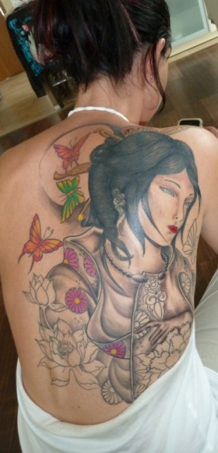 Cover up Geisha