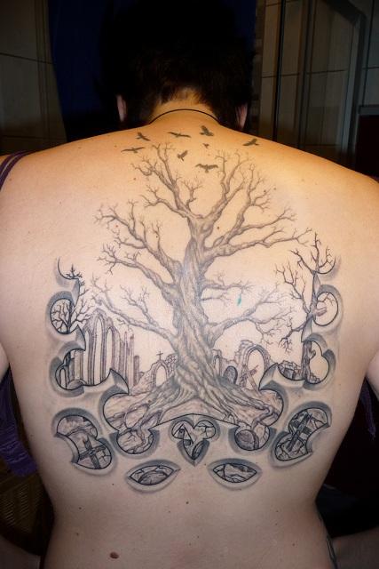 Vampiria Baum Tattoos Von Tattoo Bewertung De