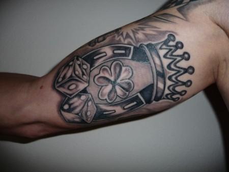 suchergebnisse f r 39 krone 39 tattoos tattoo lass deine tattoos bewerten. Black Bedroom Furniture Sets. Home Design Ideas