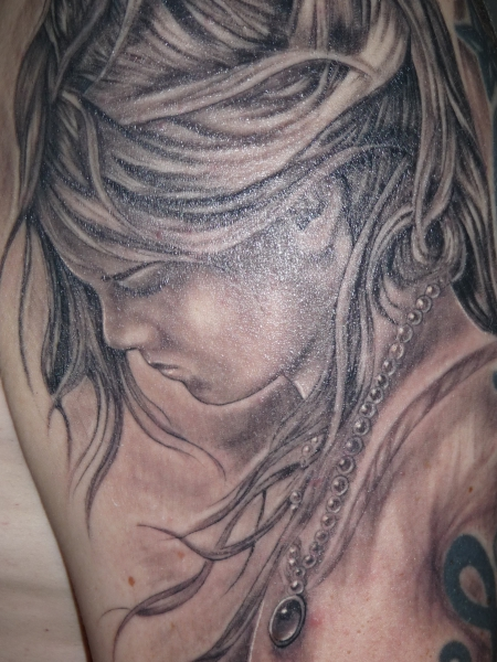 Engel-Tattoo: Engel schwarz-weiß