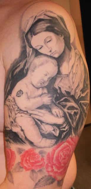 madonna-Tattoo: Madonna mit Kind