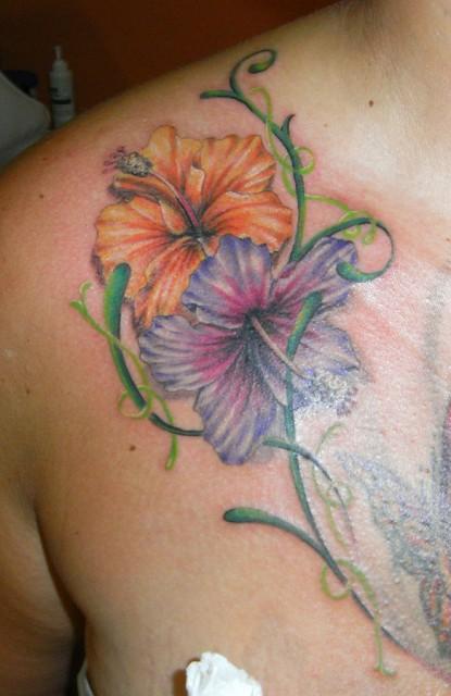 blüten-Tattoo: Blümelein