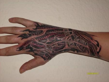 newera biomechanisch tattoos von tattoo. Black Bedroom Furniture Sets. Home Design Ideas