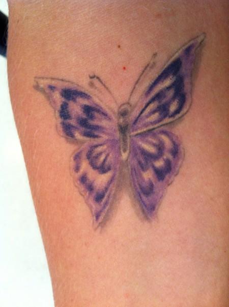 Kleiner Schmetterling Tattoo : angel040 kleiner schmetterling tattoos von tattoo ~ Frokenaadalensverden.com Haus und Dekorationen