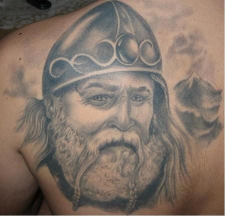 Winkinger / 2. Tattoo