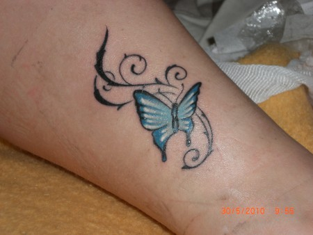Sandy89 mein schmetterling tattoos von tattoo - Tattoo dekoltee ...