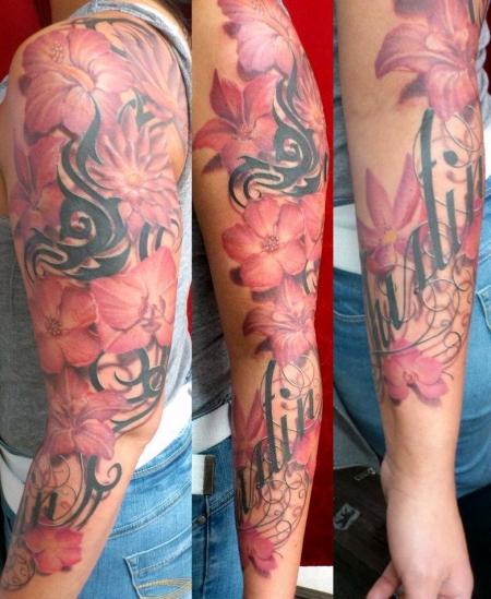 Blumen-Tattoo: Blumenzeug mit Namen(von meiner Süßen)
