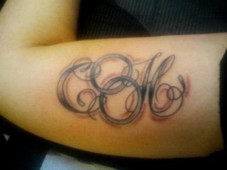 Mina88: Anfangsbuchstaben | Tattoos von Tattoo-Bewertung.de