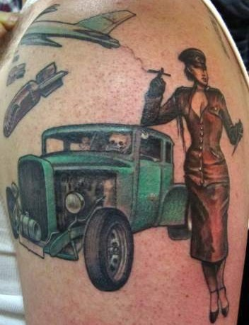 pinup-Tattoo: Hot Rod und Pin-up