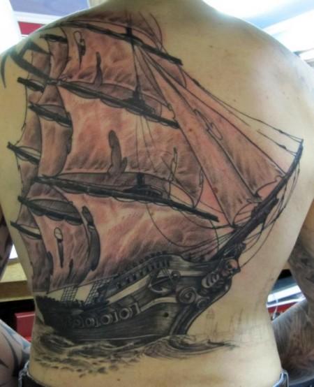 Segelschiff zwischen stand