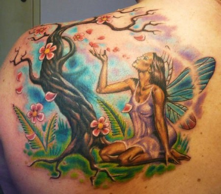 baum-Tattoo: Elfe in der Natur / Cover Up