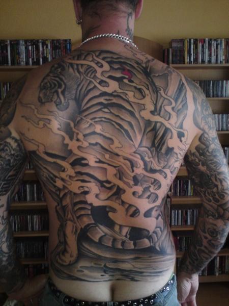 pingo r ckentattoo tiger im asia style tattoos von. Black Bedroom Furniture Sets. Home Design Ideas