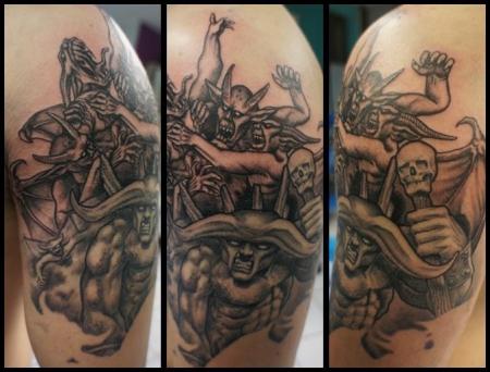 Fortuna7 Kampf Zwischen Gut Und Böse In Arbeit Tattoos Von