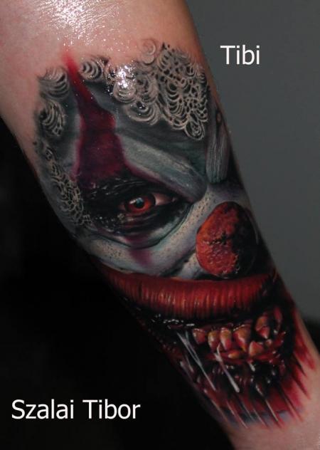 Horror-Clown, tätowiert von Tibor Szalai