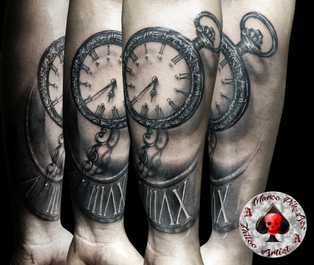 marco pikass uhr clock tattoos von tattoo. Black Bedroom Furniture Sets. Home Design Ideas