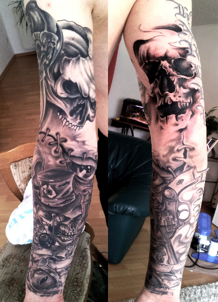 tat frank totenkopp arm tattoos von tattoo. Black Bedroom Furniture Sets. Home Design Ideas