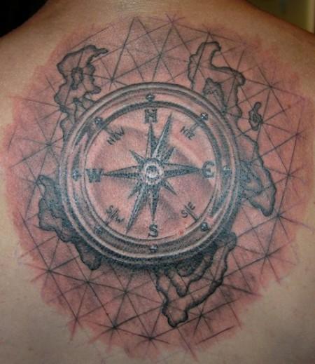 kompass tattoos und kompassbilder. Black Bedroom Furniture Sets. Home Design Ideas