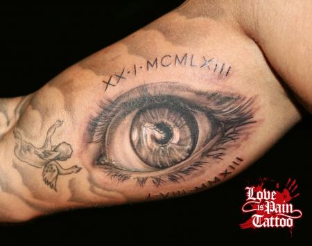 Auge Love is Pain Tattoo