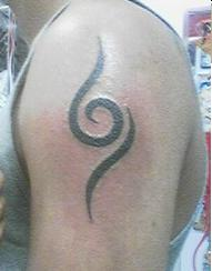 schwanke zwischen 2 tattoo`s