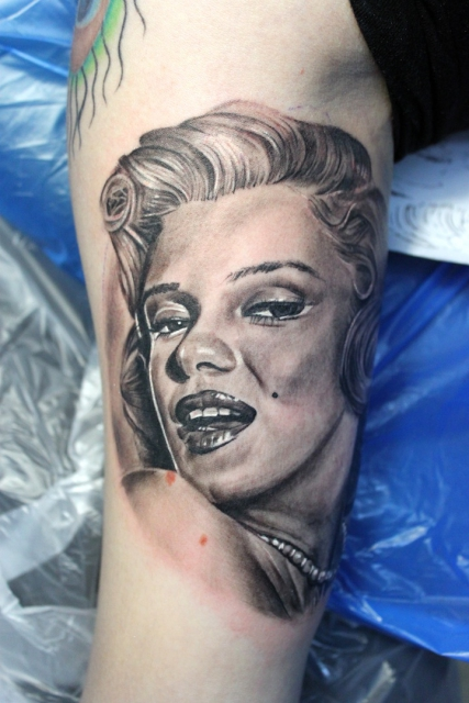 Marilyn Monroe, Eectrographic Tattoo Rosenheim