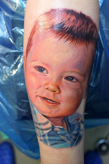 Portrait eines Sohnes www.electrographictattoo.de
