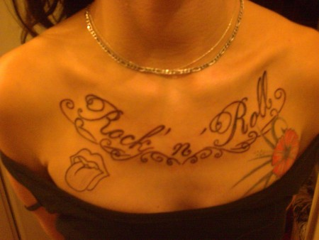 deluxe13 mein dekollet is gepimpt tattoos von tattoo. Black Bedroom Furniture Sets. Home Design Ideas