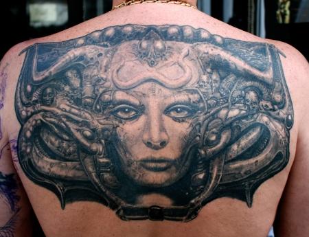musik-Tattoo: hr giger