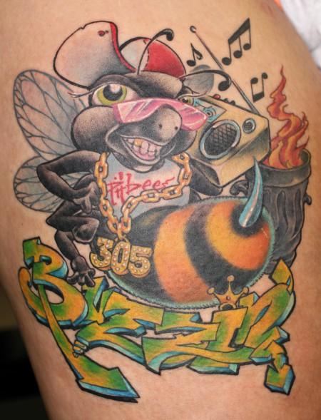 tattoos zum stichwort biene tattoo lass deine tattoos bewerten. Black Bedroom Furniture Sets. Home Design Ideas
