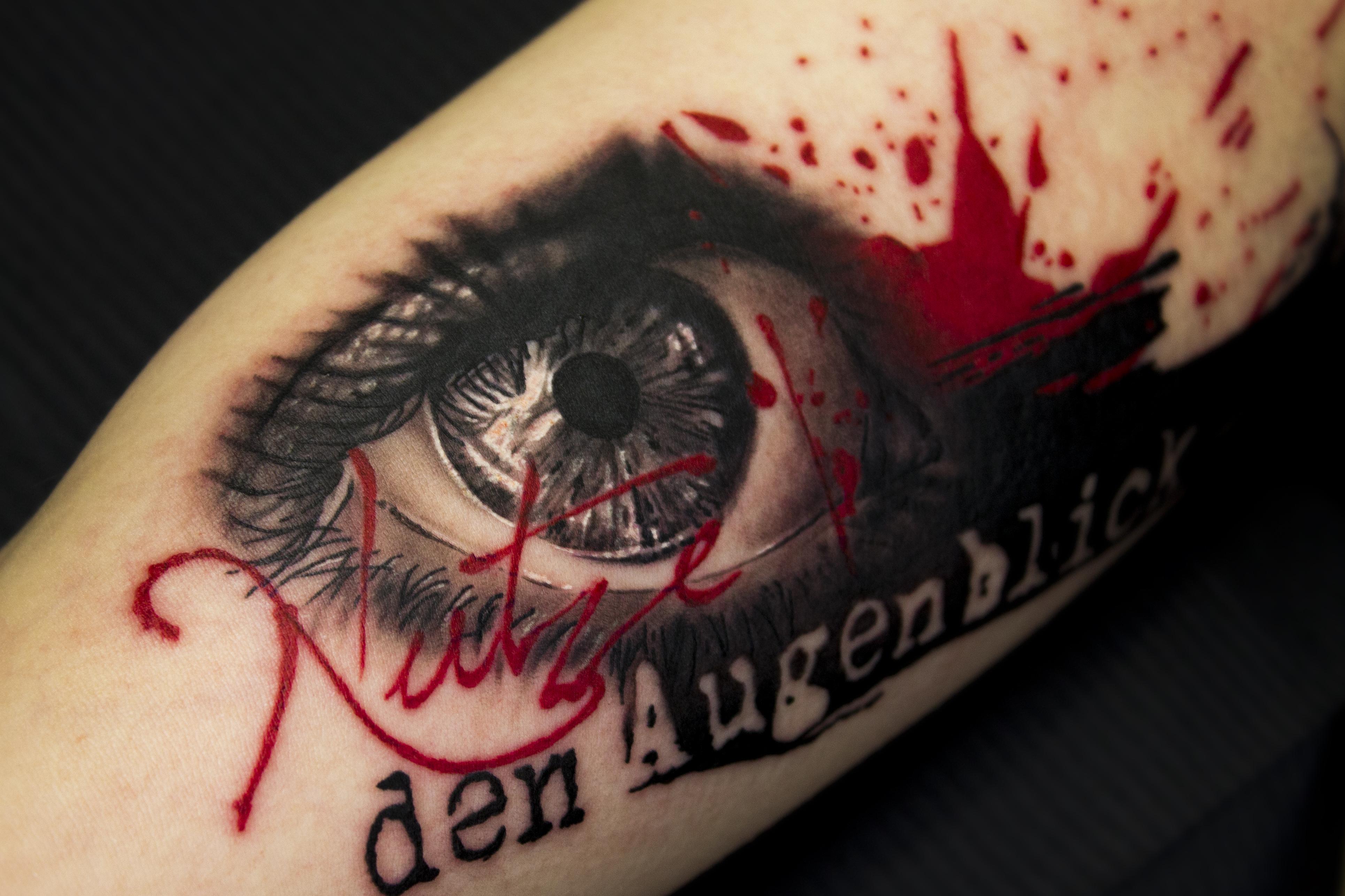 tattoo 174b Biro Blanka tetovalo tattooist tattoo artist taetowierer selfmade berlin selfmadeberlin realistic realistisch auge eye details detailliert trashpolka lettering schriftzug rot - Trash Polka Tattoo Artists