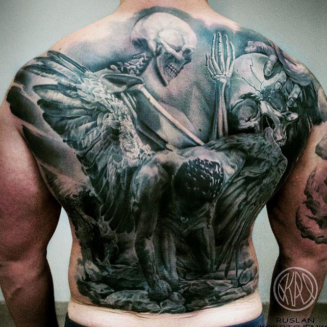 Tattoo mann rücken Tattoo Rücken