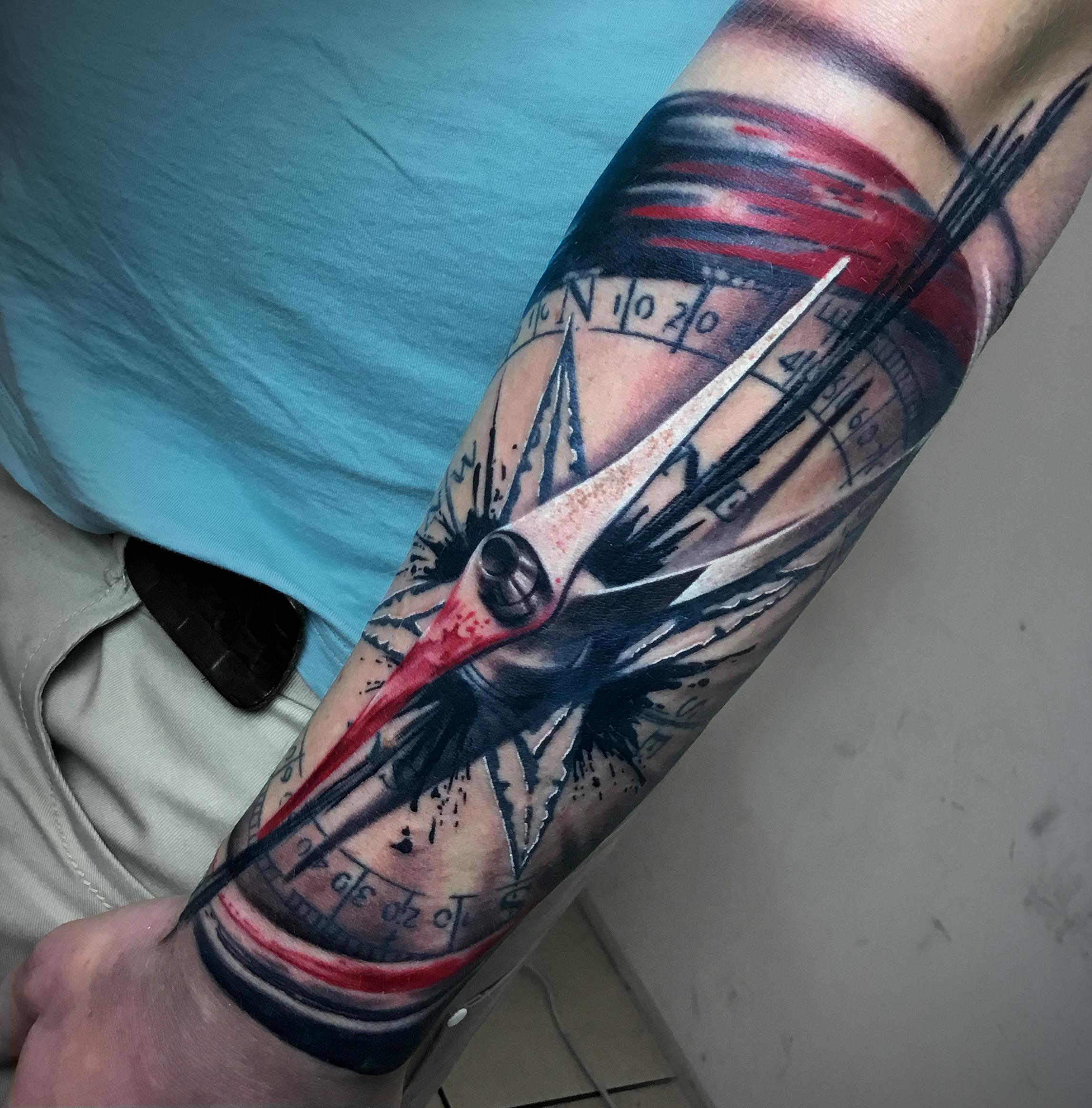 tattoo 6377 Biro Blanka tetovalo tattooist tattoo artist taetowierer selfmade berlin selfmadeberlin realistic realistisch details detailliert kompass compass trashpolka berlintattoo - Trash Polka Tattoo Artists