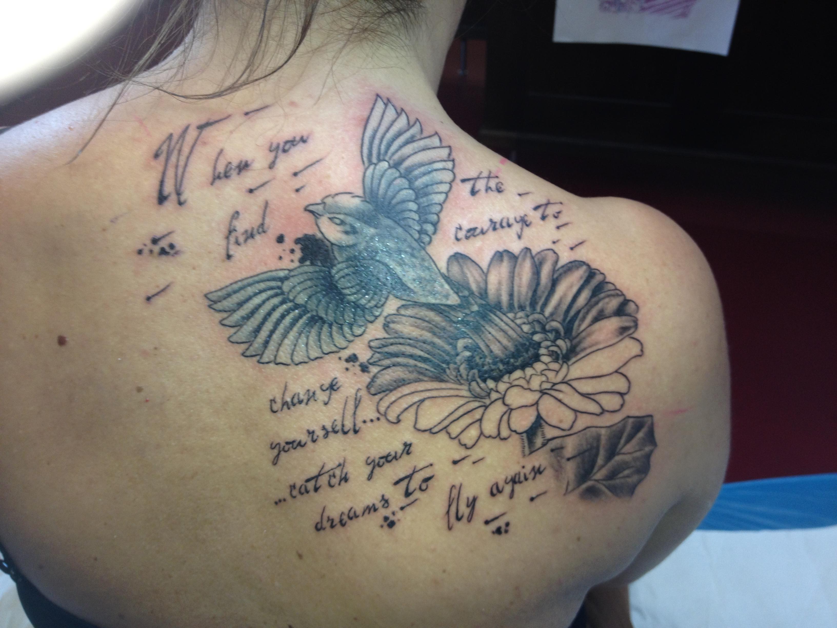 Stealdream Cover Up Gerbera Vogel Spruch Tattoos Von Tattoo