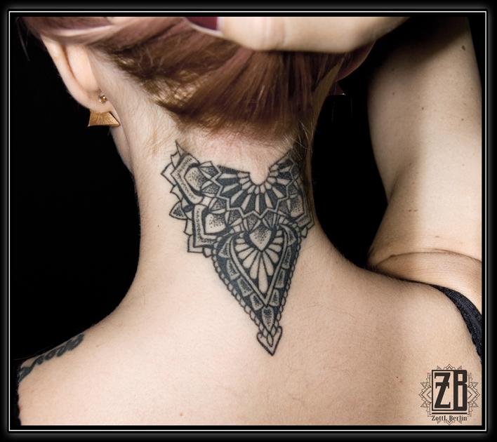 Zottl Nacken Dotwork Mandala Tattoos Von Tattoo Bewertungde