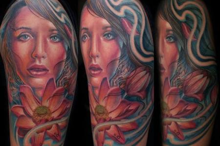 blume-Tattoo: Beginn meines Full Sleeve von Mario Hartmann