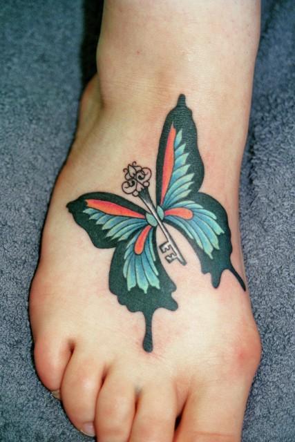 schlüssel-Tattoo: Schmetti mit Schlüßel