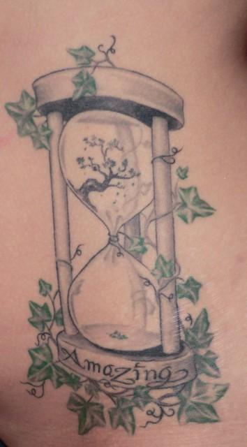 suchergebnisse f r 39 efeu 39 tattoos tattoo lass deine tattoos bewerten. Black Bedroom Furniture Sets. Home Design Ideas