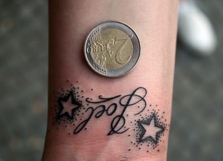 """Small Stuff von Julian """"Love is Pain Tattoo Berlin"""""""