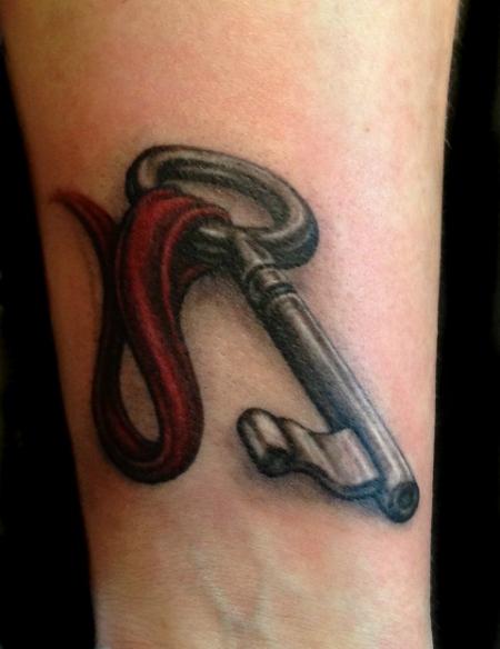 Schlüssel mit Band