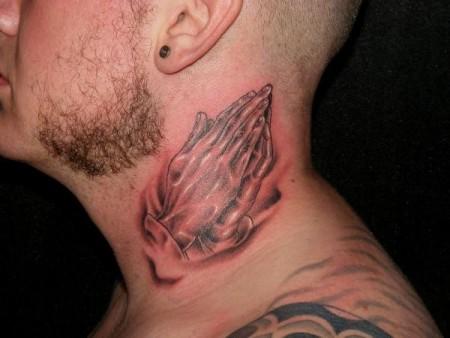 rosenkranz-Tattoo: Neues hals teil