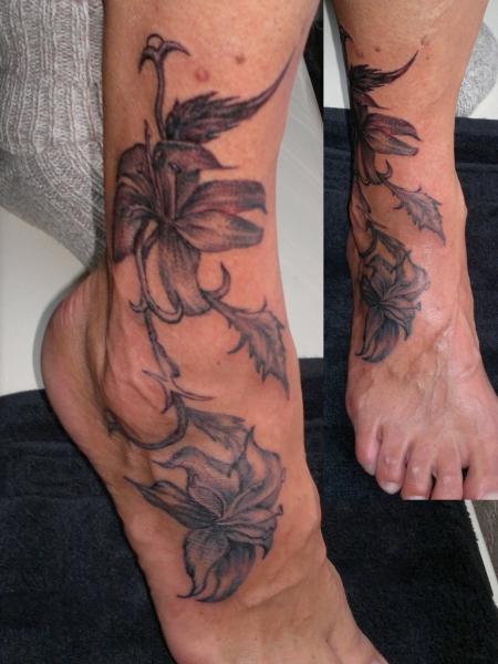 Lilien, S-Tattoo, Saarbrücken