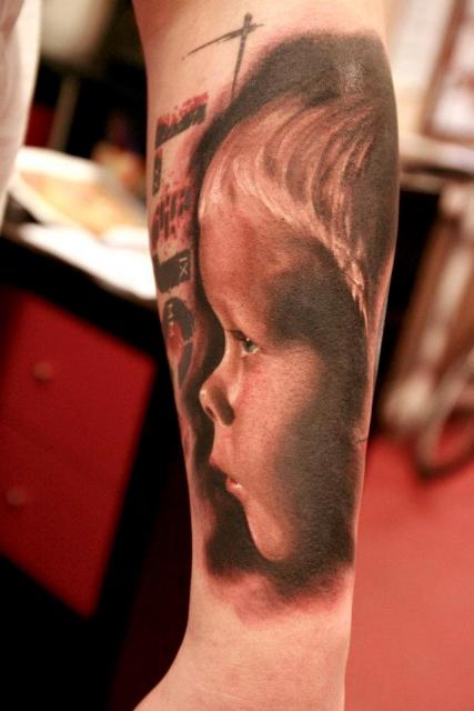 Sterne-Tattoo: Luca´s Seitenportrait